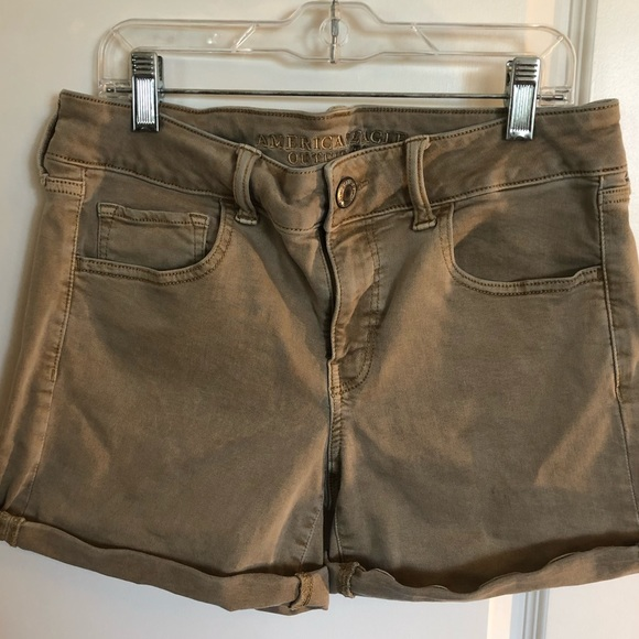 American Eagle Outfitters Pants - American Eagle Midi Super Stretch shorts